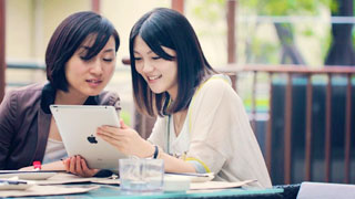 Online component in teaching spoken English